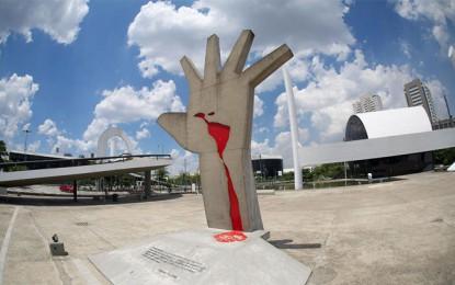 Mão Oscar Niemeyer